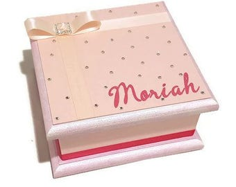 Pretty in Pink Keepsake Box