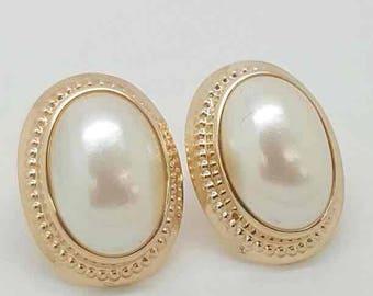 Vintage 10k gold pearl stud earrings