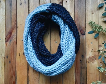 READY-TO-SHIP! chunky knit two-tone infinity ribbed circle scarf || The Cottonwood