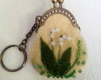 Mini felted coin purse Keychain Pendant for bag Stylish accessory Coin purse with flowers Beaded coin purse