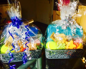 Pet gift hampers/baskets