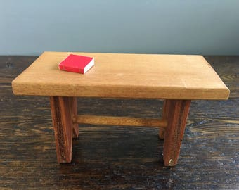 1:6th Scale Wood Side Table / Vintage Dollhouse Furniture