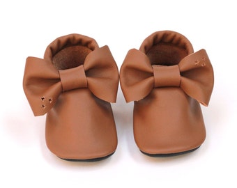 Leather toddler shoes Bow moccs eco-friendly recycled reclaimed first birthday gift girl moccasins