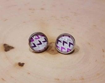 For ears cabochon glass 14 mm - on stem - white lilac purple herringbone pattern.