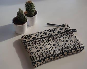 Ethnic bag black and white