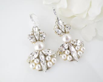 Art Deco bridal earring, Swarovski crystal and pearl wedding earring, Unique rhinestone and pearl post chandelier
