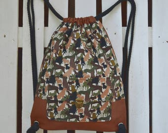 American vegan leather and fabric backpack with drawings of dogs color Camo