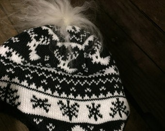 New Knit Toque for child. Mongolia lamb fur Pompom (recycled)