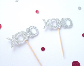 Valentine's Day glitter cupcake toppers - xoxo  party decor - party picks - love - wedding decor - engagement party - bridal shower
