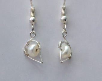 Delicate Leaf with Pearl Earrings