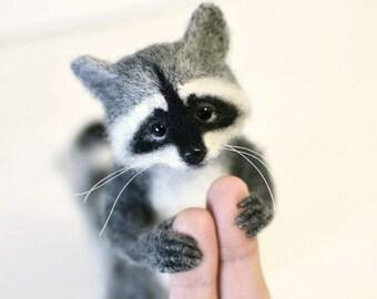Cute raccoon Miniature raccoon Grey raccoon Little raccoon Beautiful raccoon Raccoon animal Toy raccoon Needle felting toy Little raccoon