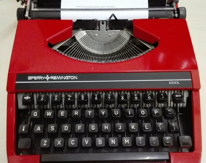 Featured listing image: FREE shipping / Sperry remington idool typewriter