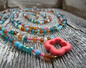 Coral Clover Wrap Around Necklace / Multicolored Necklace / Clover Pendant Necklace
