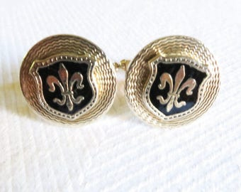 Vintage Gold Tone Fleur de lis on Black Enamel Shield on Round Engine Turned Background Cufflinks