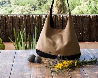 Beige hobo bag.  Slouch bag. Shoulder hobo bag. Beige hobo bag purse. Beige and black handbag.