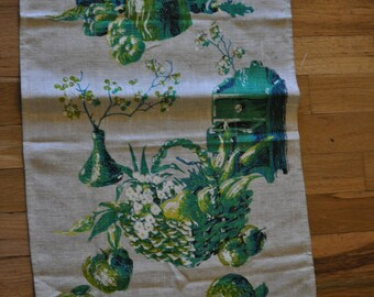 Vintage 1970s Linen Tea Towel with Green Vegetable Garden Print