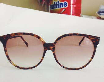 Sanford Hutton Colors in Optics Tortoise Oversized Sunglasses