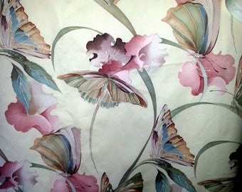 """Unused Vintage fabric in high quality  """"Solitude"""" Crowson Fabric in England bone white bottom with pink flowers."""
