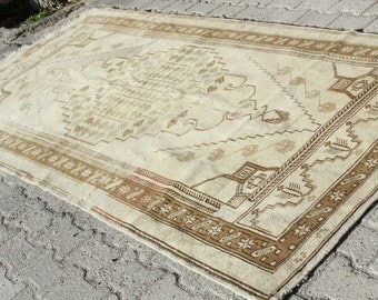 Antique Ca 1900-1939s 4'7''x9' Ivory-Gold Colors Wool Natural Old Dyes Pile Rug