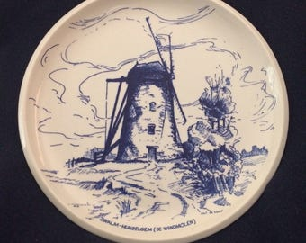 Rare dish in delft blue and white of the Royal Boch la Louvière in Belgium - the mill gets wind of HUNDELGEM - Zwalm