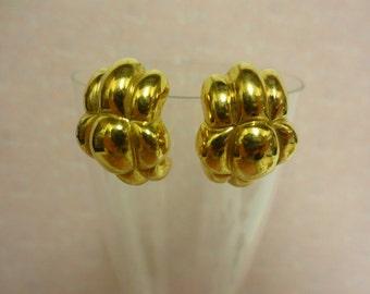 Vintage Gold Earrings, 1980s Gold Earrings, Retro Gold Earrings, statement gold earrings for pierced ears