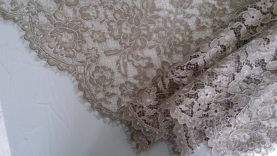 Gold lace fabric, french style, excellent whipped fabric lace evening dress
