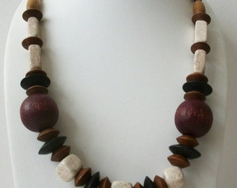 ON SALE Vintage 1960s BOHO Marked Geniune Wood Chunky Wooden Necklace 10517