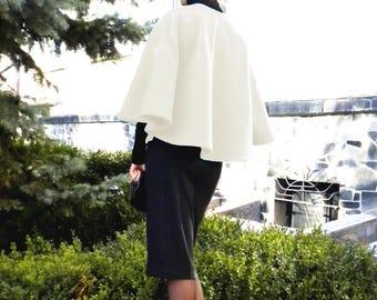 Ivory Cape, Ivory Poncho, Poncho, Cape, wool poncho, wool cape, short cape, short poncho, white poncho, white cape