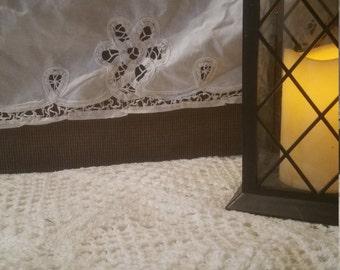 Twin Bedskirt - Lace Bedskirt - Battenburg Lace - White Bedskirt - Vintage Bedskirt - Bedskirt - White Bed skirt - Dust Ruffle - Bed Skirt