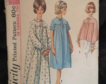 Vintage 60s Simplicity 5193 Nightgown/Robe Pattern-Size 12 (32-25-34)