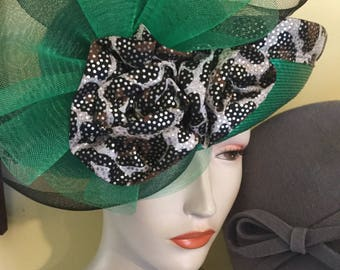 Green leapard trim hat