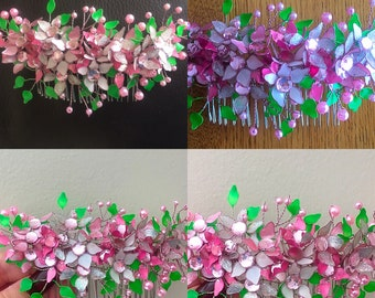 Stunning handcrafted hair comb, elegant and perfect of any occasion . Comb, hair accessory , floral, flowers, hair, bridesmaid , party.