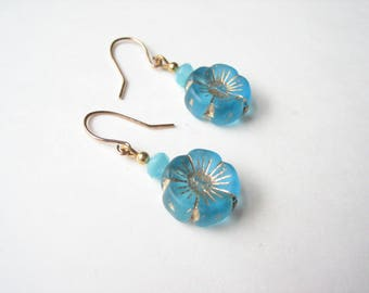 Glass flower earrings, turquoise flower, turquoise glass flower, turquoise earrings, Czech glass flower, Czech glass earrings, spring flower