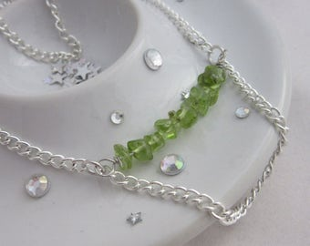 Peridot Green Bar Chain Drop Necklace on a 18 Inch Silver Plated Chain, August Birthstone, Olivine, Chrysolite