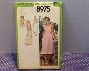 Vintage 1979 Simplicty 8975 uncut sewing pattern -Misses size 18 and 20 back-wrap dress in two lengths and apron