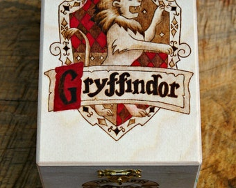 Gryffindor Hogwarts House Crest Harry Potter pyrography box