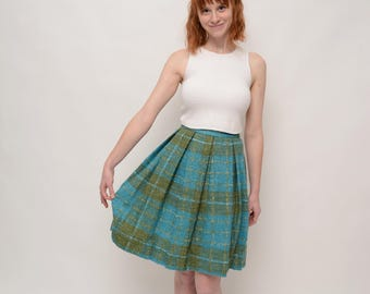 1950s Pleated Full Skirt with Metal Zipper, Plaid Tartan, School Girl, Check Circle Skirt - Sweater Girl - Extra Small