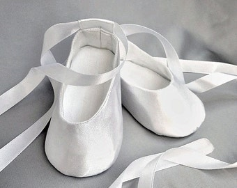 White baby girl shoes, Satin Soft Sole Pre-Walkers, wedding girl outfi, wedding blessing baptism shoes, infant slippers,Baby Girl Shoes