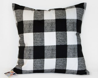 Pillow Cover in Black and White Buffalo Plaid, Farmhouse Style Plaid Pillow Cover in Black and White with Invisible Zipper