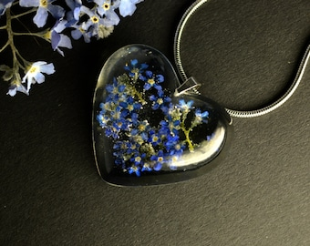 Forget me not necklace Heart flower pendant Resin jewelry Unique Blue Pendant Gifts for her Resin Blue Flowers Floral Necklace Eco Jewelry