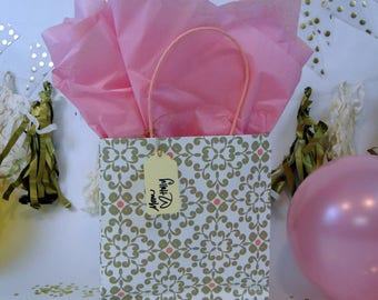 Gift Wrap Package (White and Pink)