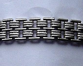 1960S SILVER COLOURED  bracelet