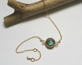 Beautiful stone - Labradorite, freshwater and gold Bead Bracelet laminated