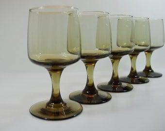 5 Vintage Smokey Brown 1970's Wine Glasses, 1970's Glassware, Brown 70's Stem Wine Glasses, Retro Tawny Brown Glasses, Mid-Century Glassware