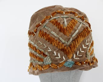 1920s Hat - 1920s Cloche Velvet Flapper Hat - Embroidered 1920s Hat