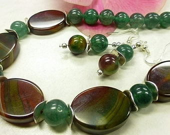 Picturesque agate set in stunning style