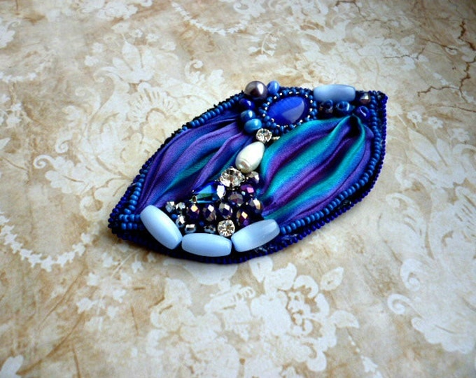 Silk shibori brooch Bead embroidered Brooch Blue Purple Jewellery Cat's-eye Pearl Crystal Gift for her Beadwork Ooak seed beaded jewelry
