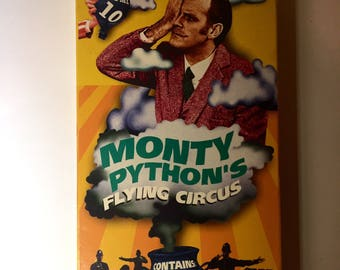 Monty Pythons Flying Circus VHS spamalot british humor saturday night live comedy vhs bbc a&e monty python and the holy grail tv series vhs