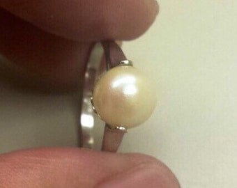 18K White Gold Ring With Pearl, Size 6.5