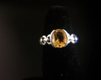 Sterling silver ring with citrine, size 7.75, wreight 4 grams